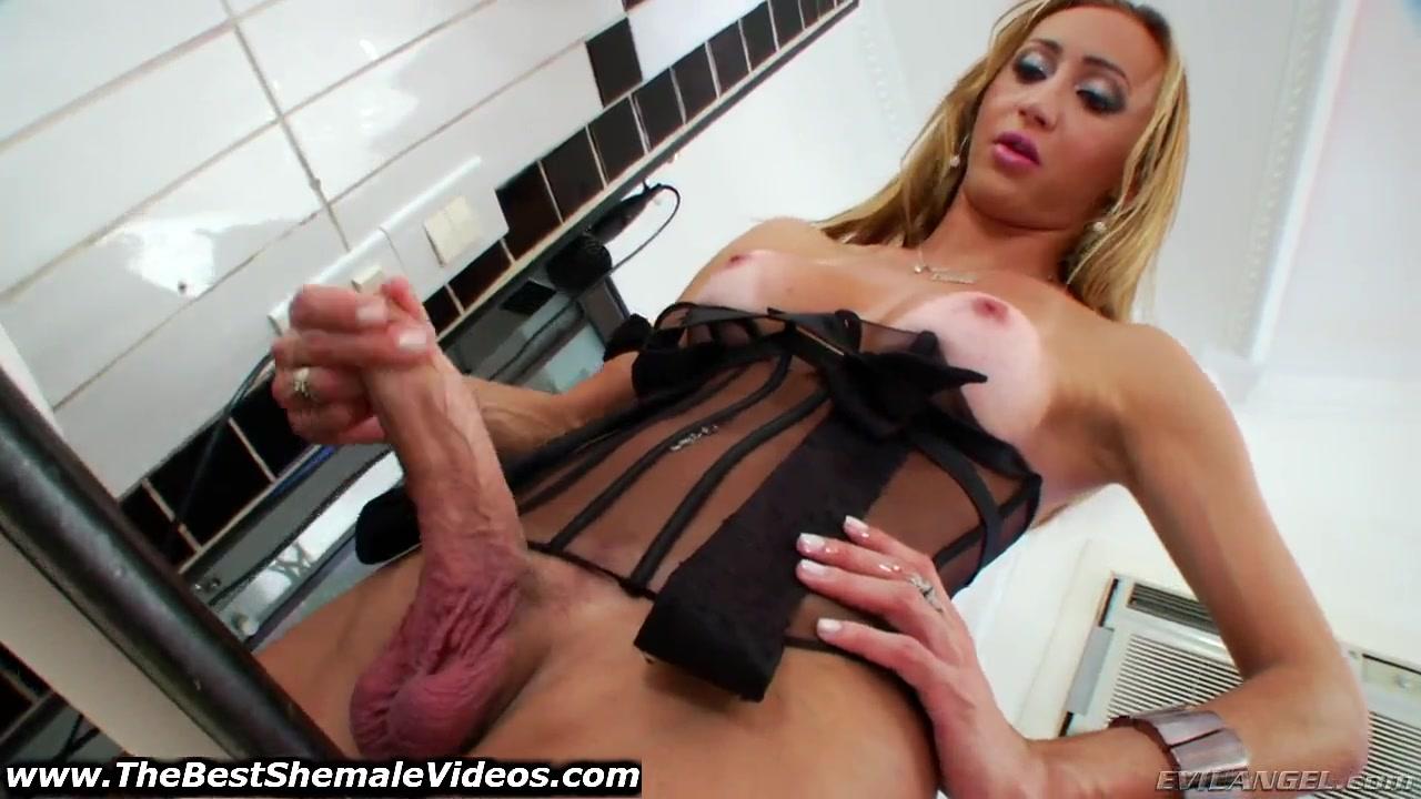 Monster Cock Shemale Laura Ferraz Jerks Off For Ts -8763