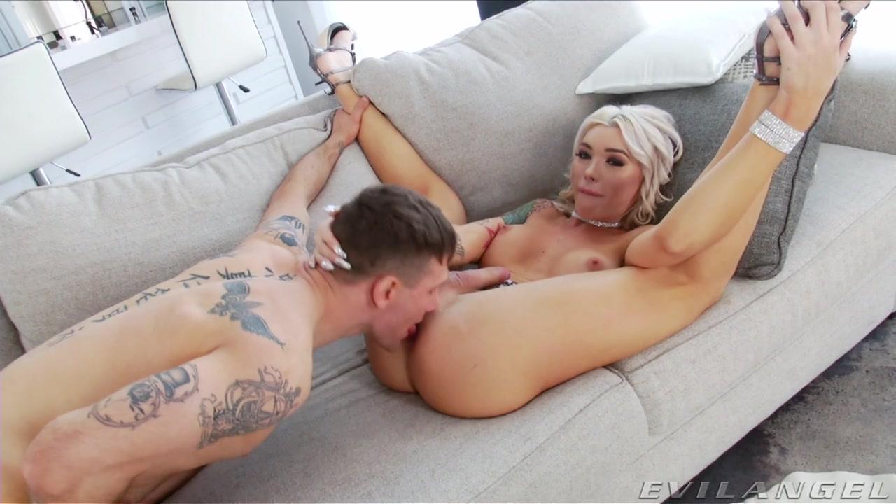 Aubrey Kate Fucked Shemale